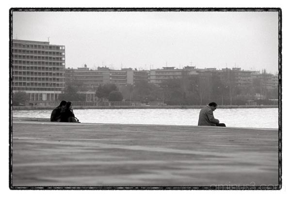 couples  thessaloniki sea