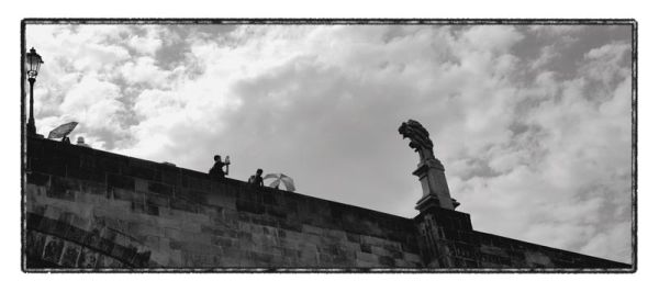 prague photographer statue
