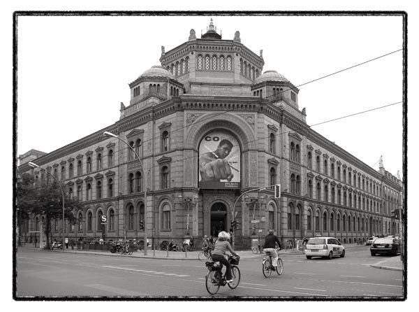 berlin bicycle road building
