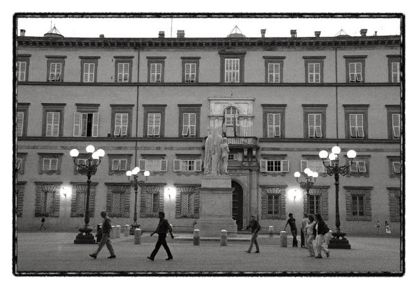 square night people italy lucca