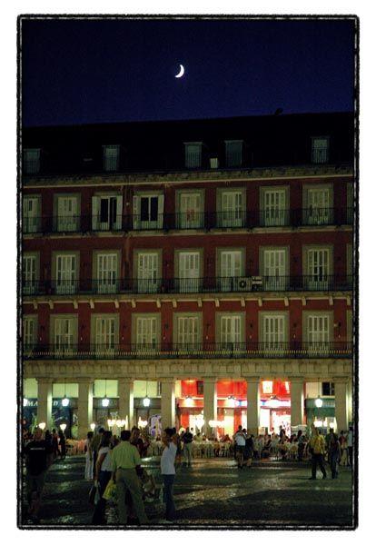 moon night lights plaza mayor madrid