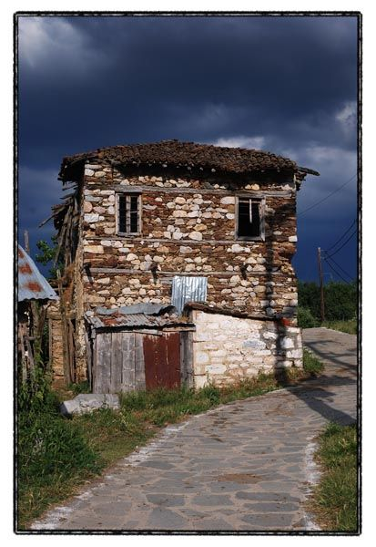 stone house greece agios achillios