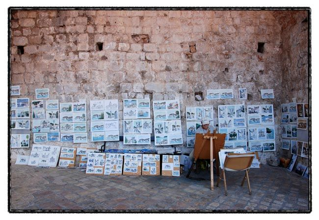 dubrovnik series / the painter on the wall