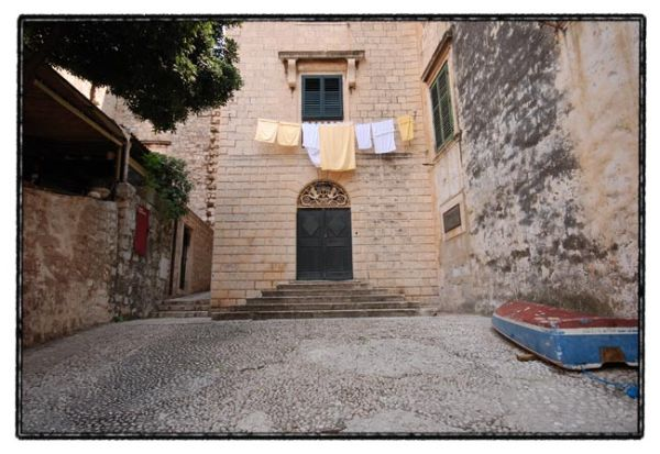 dubrovnik series / washed clothes