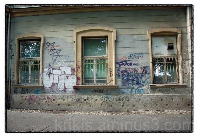 facade 1/3