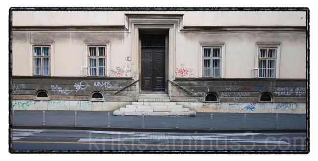 facade 2/3
