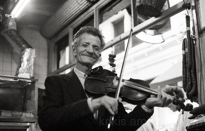 street violonist