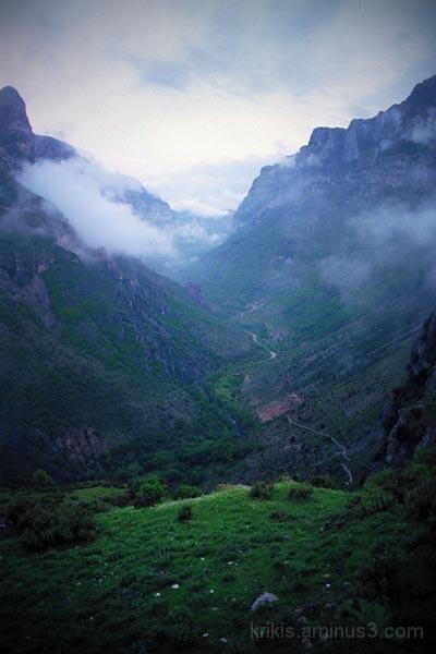 vikos gorge 1