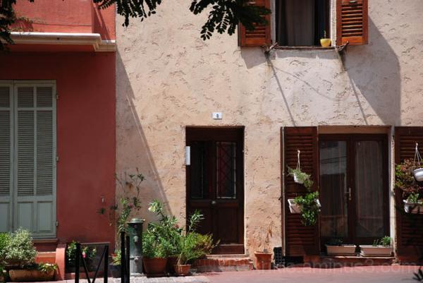 sunny facade I