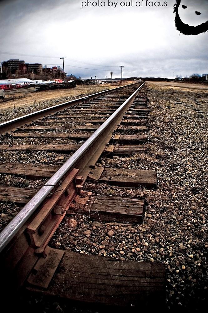 iso [i,saw] the train tracks