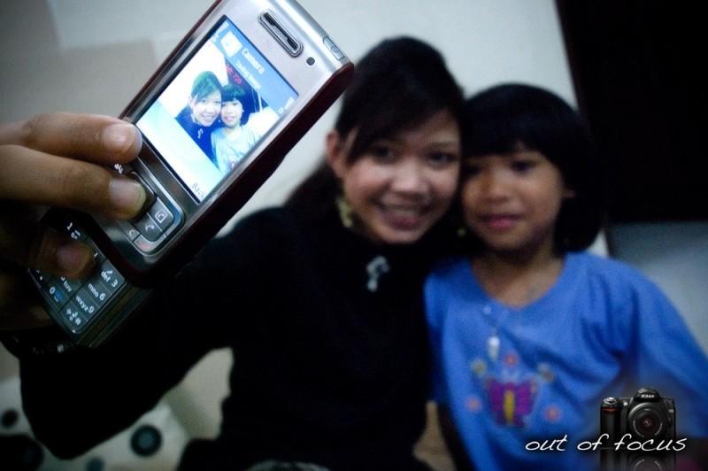 iso [i, saw] the camera phone lady again