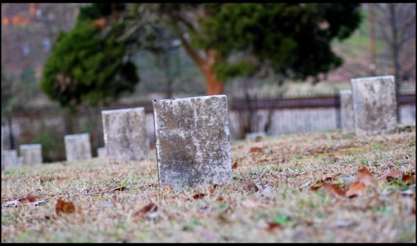 Soldiers graves in Marietta Confederate Cemetery.