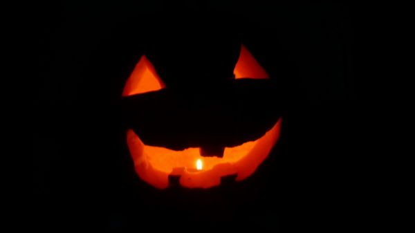 I made Halloween lantern.
