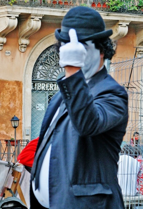charlie chaplin street performer in Italy