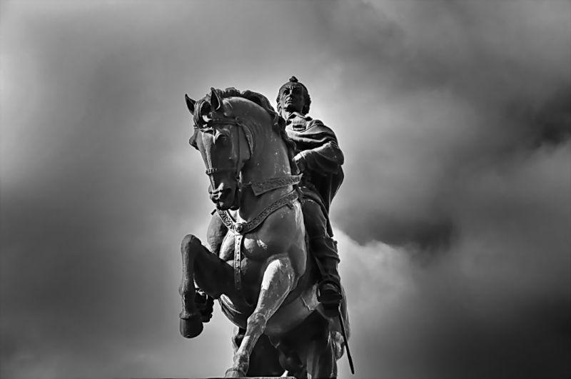 stone memory horse rider