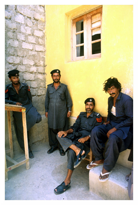 prison guards prisoner turbat district jail baluch