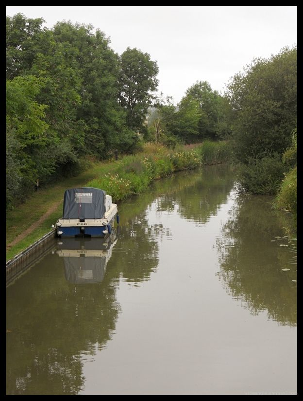 quiet spot on the grand union canal