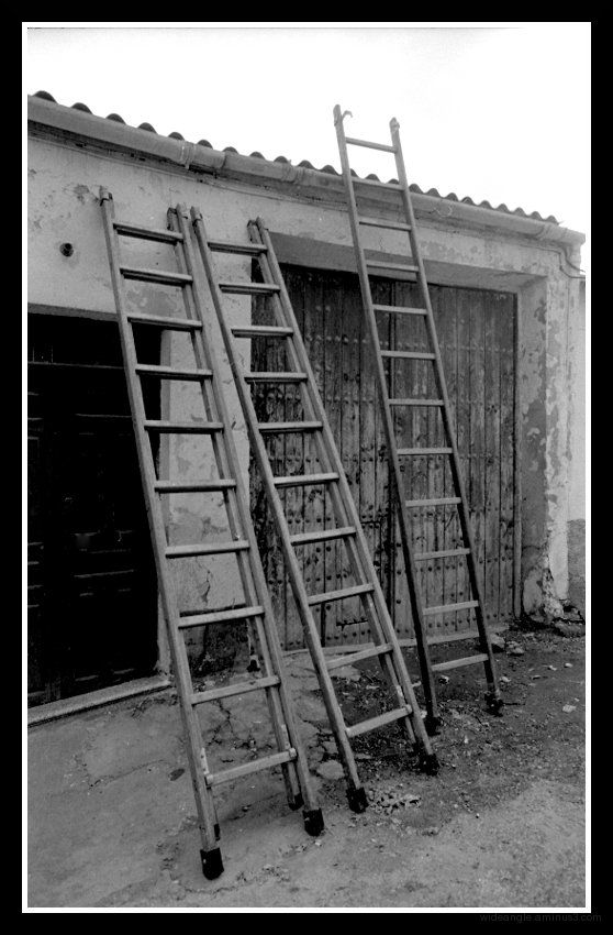 ladders three spain