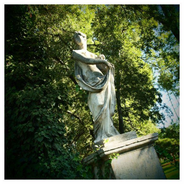 statue park seville