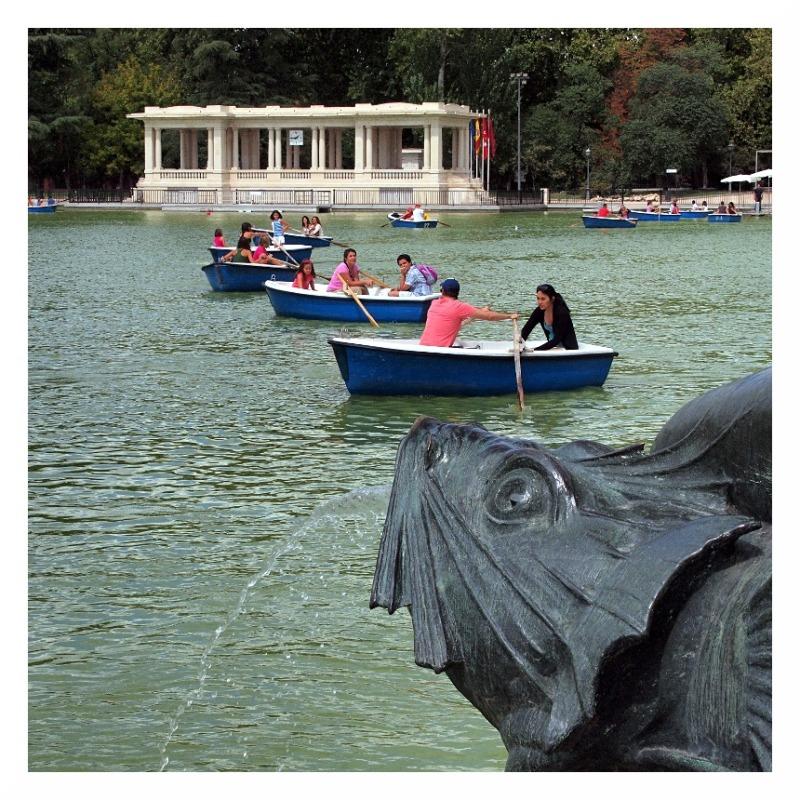 rowing lake madrid spain