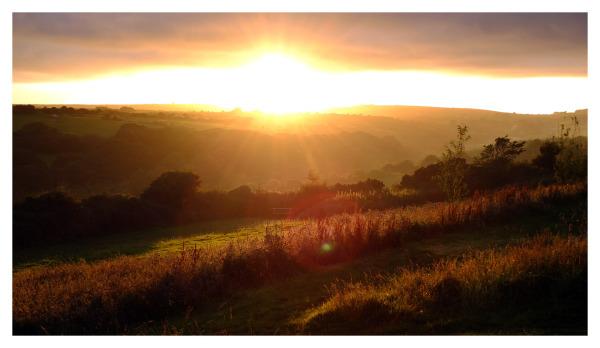 sunset noongallas camping cornwall