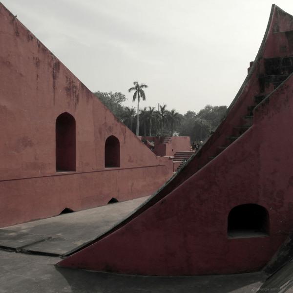 curved reds jantar mantar old delhi observatory