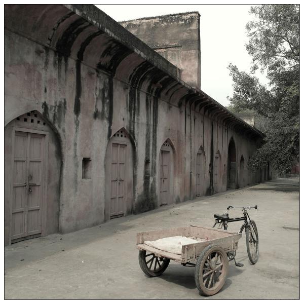 bike cart safdarjung tomb new delhi