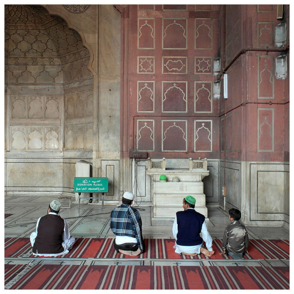 prayers islam mosque new delhi