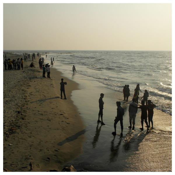 kochi beach scenery people sunsets