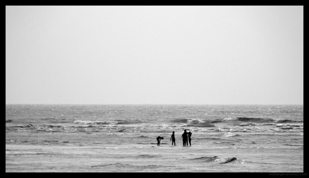 people sea waves walking water kerala