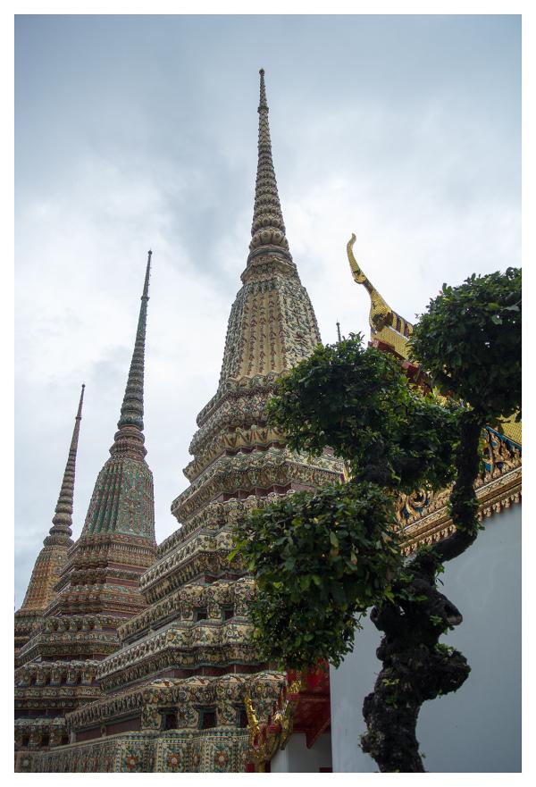 wat pho temple architecture bangkok