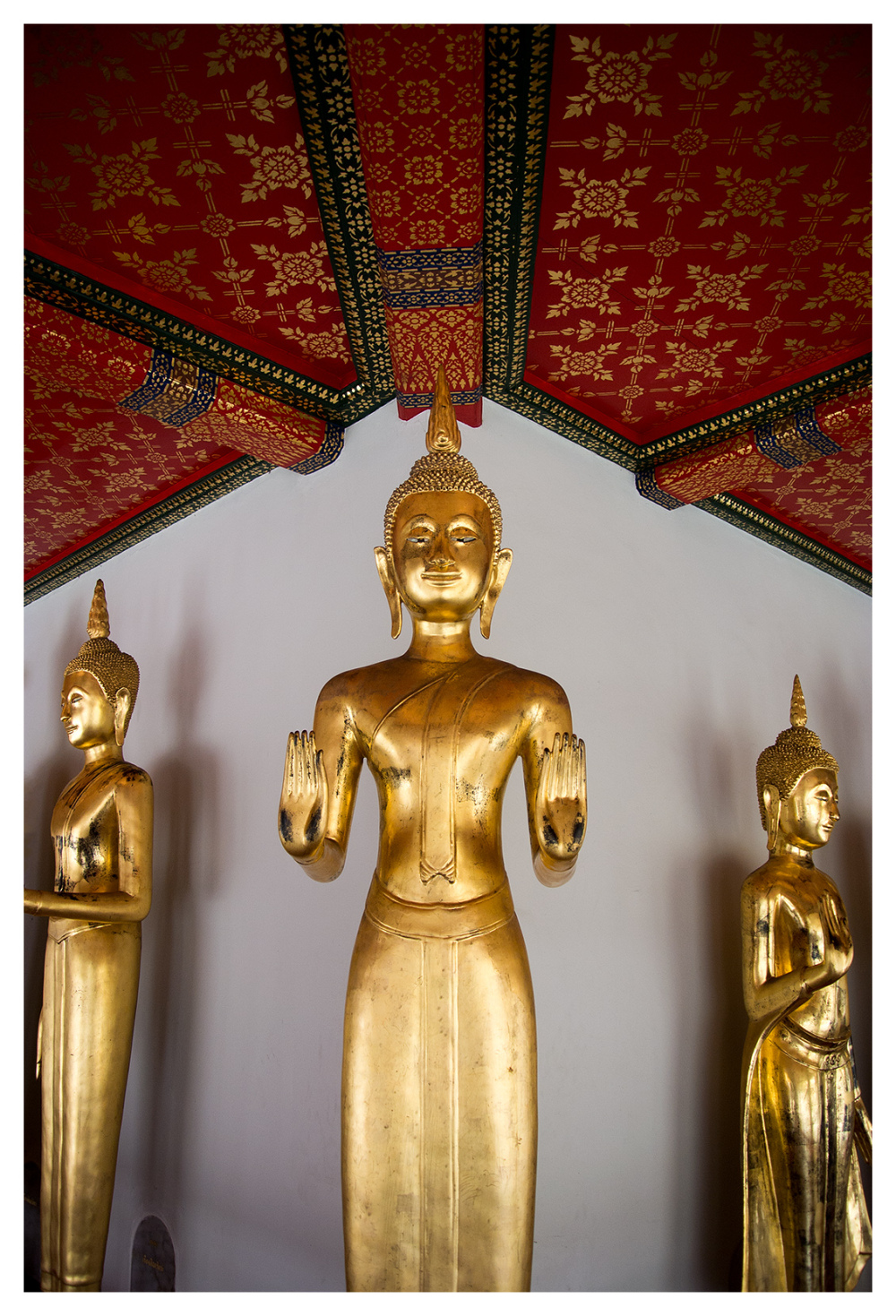symmetry gold buddha bangkok wat pho