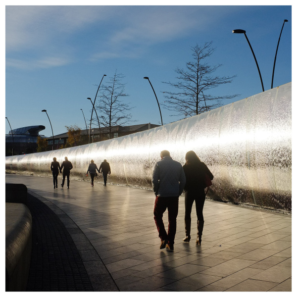 couples sheffield silver water wall