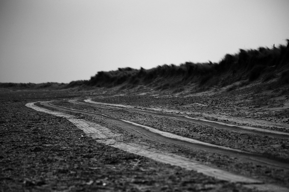tracks beach norfolk sand seaside