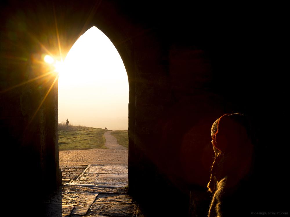 glastonbury tor sunset worship people culture