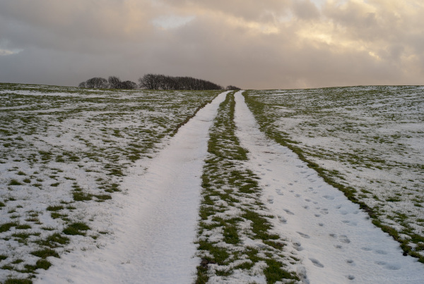 snowy path arborlow derbyshire cold walk