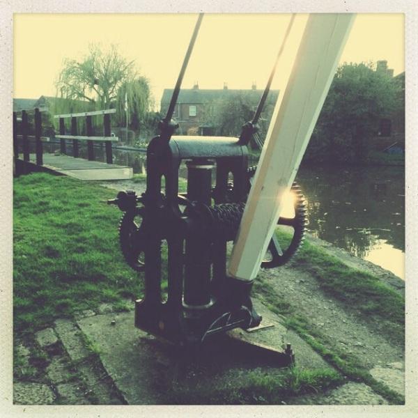 Canalside crane restored in shardlow