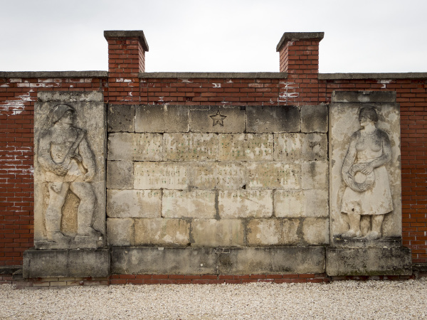 memento park budapest communist socialist statues
