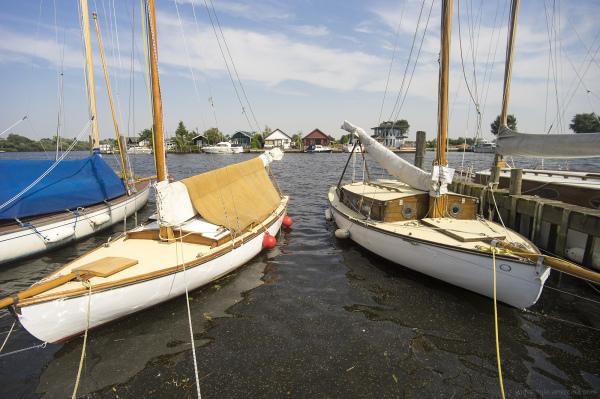 dinghi boat broads norfolk rivers