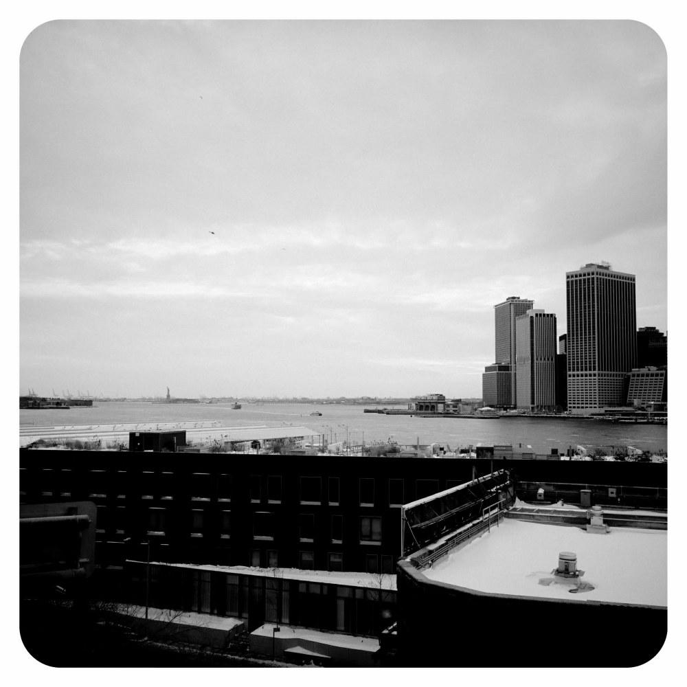 new york ciryscape cold winter snow metropolis usa