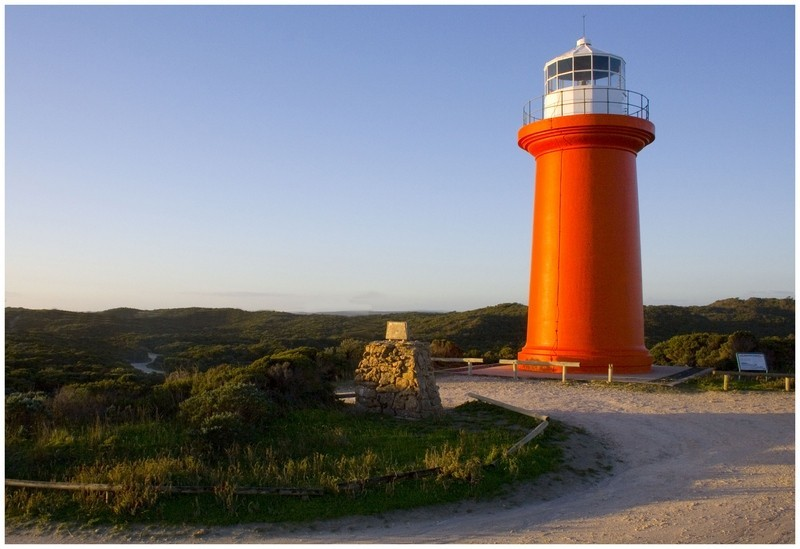 Cape Banks Light in color