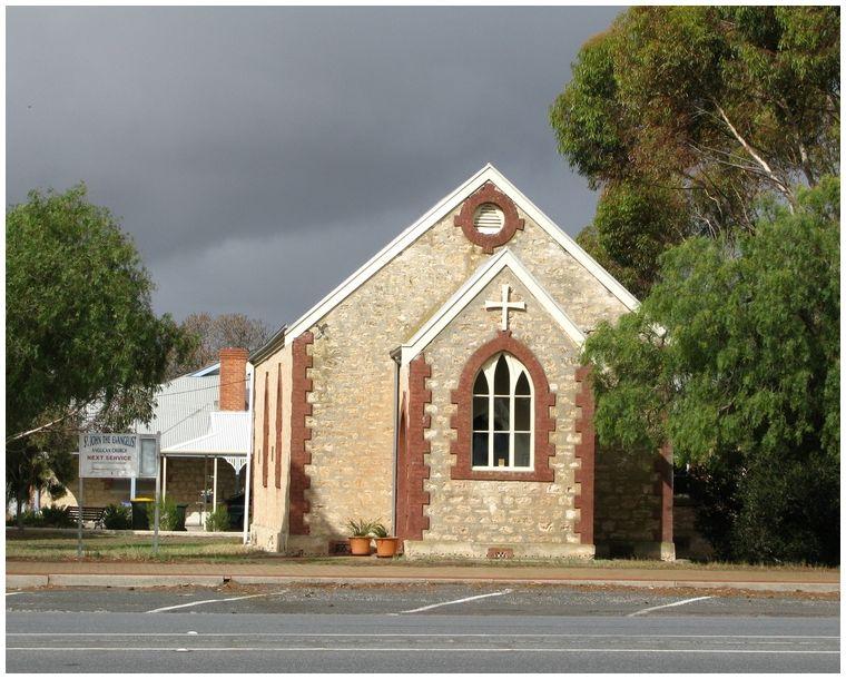 Country Church Meninge