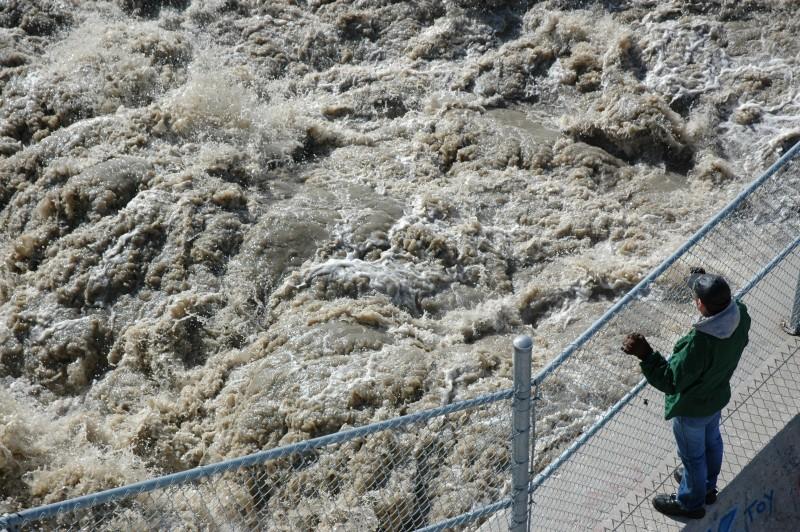winnipeg floodway spring flooding canada people