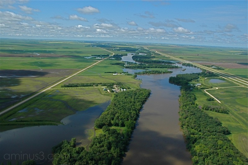 floodwaters manitoba