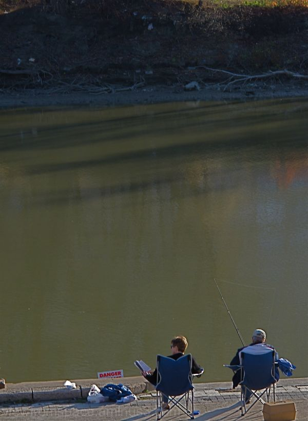 winnipeg assiniboine river couple fishing