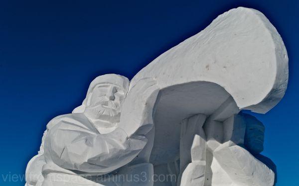 snow sculpture festival du voyageur winnipeg canad