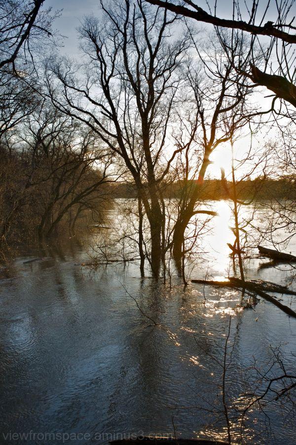 assiniboine river flooding winnipeg canada