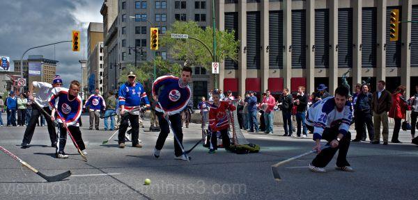 Winnipeggers celebrate return of the NHL