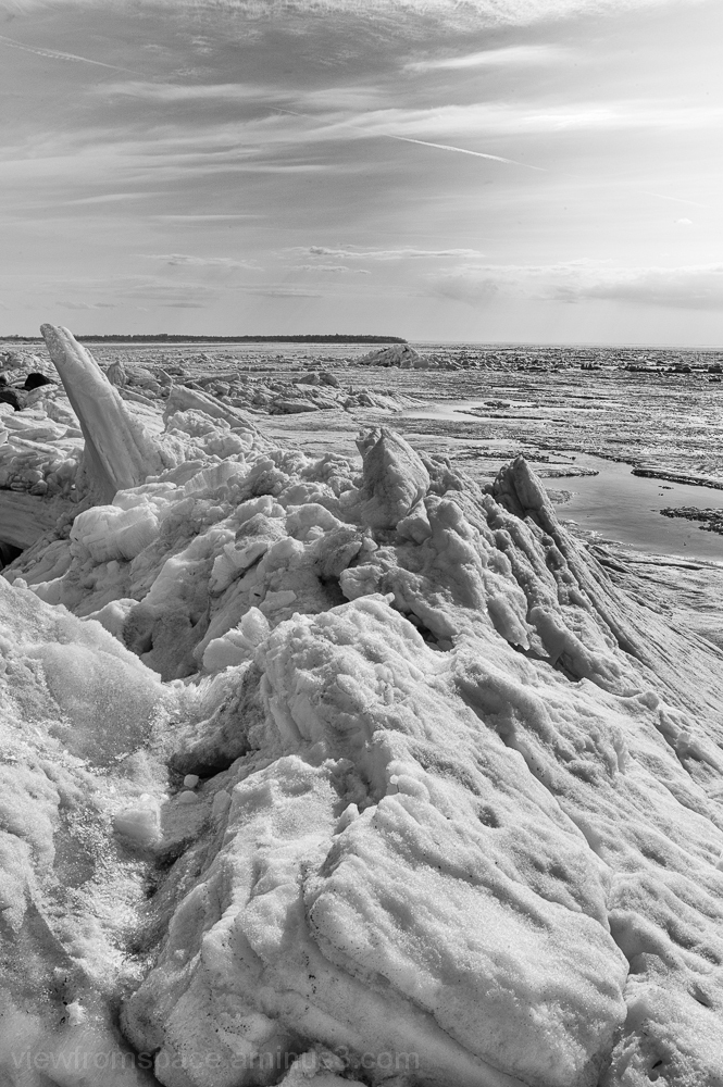 Lake Winnipeg ice spring breakup mono coastal ice
