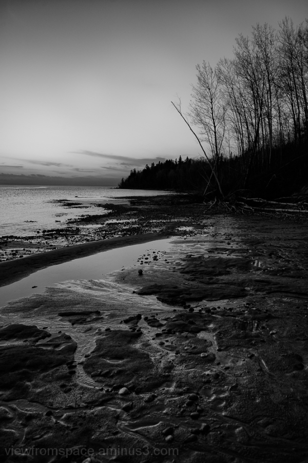 inky bay lake winnipeg manitoba canada mono